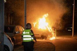 Weer auto verwoest door brand in Haarlem