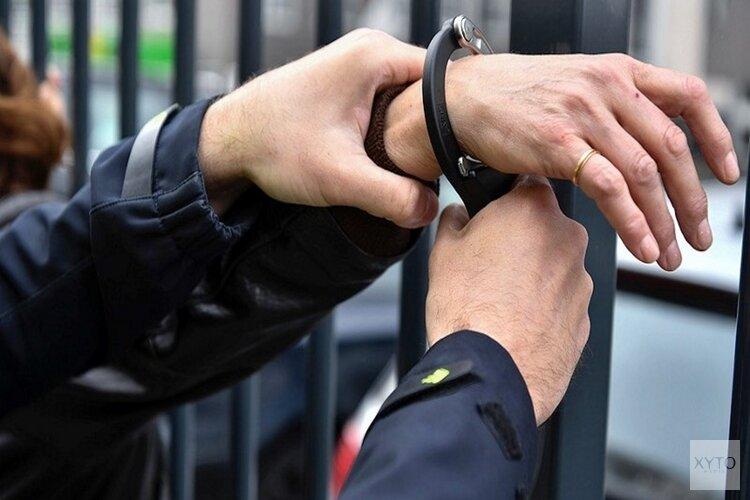 Politie krijgt winkeldief in schoot geworpen