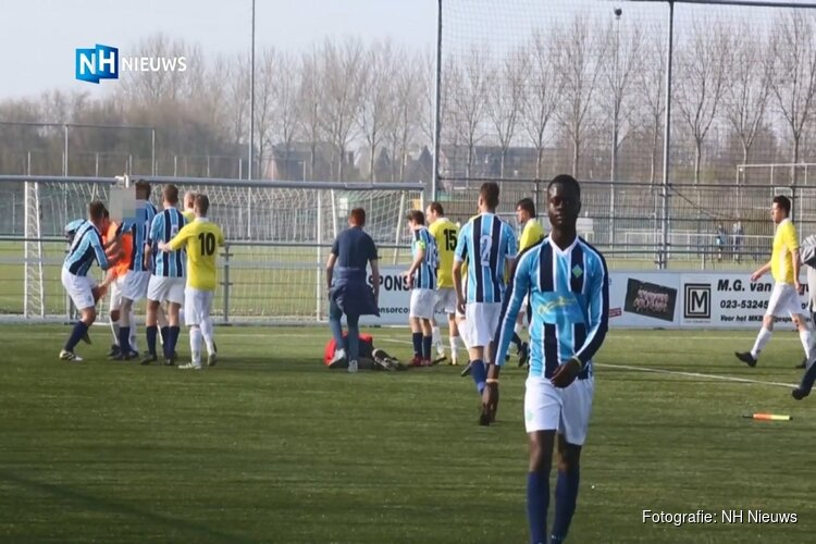 Grensrechter die keeper bewusteloos sloeg krijgt boete van 500 euro