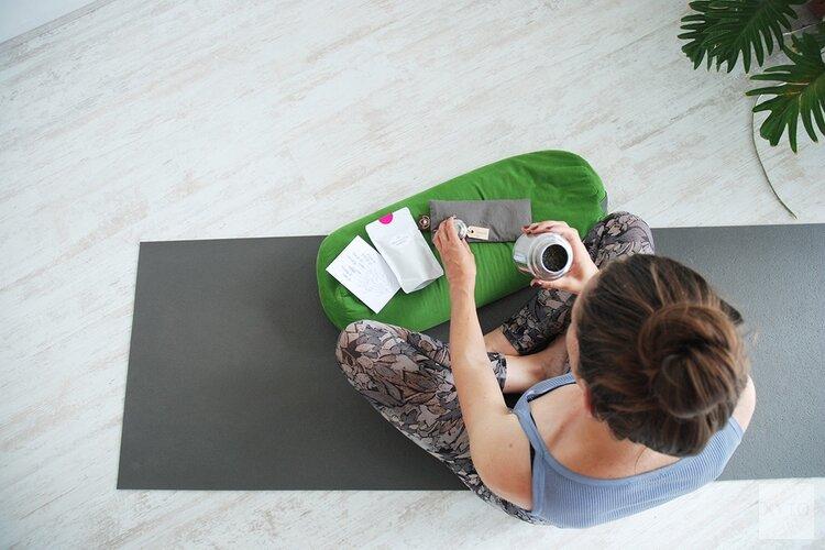 Hoe blijf je gezond met yoga en thee?
