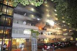Dode bij grote uitslaande brand door explosie in flat