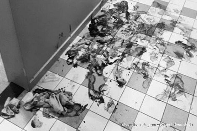 Man verwondt zichzelf tijdens vernielen spullen en laat vloer politiebureau rood kleuren
