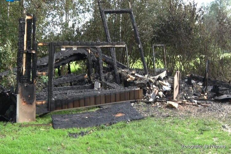 """Golfers Heemskerk gaan uit van brandstichting toiletgebouw: """"Heel triest dat dit gebeurt"""""""