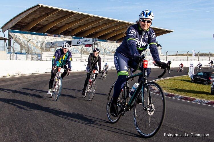 Fiets over het Formule 1-circuit van Zandvoort