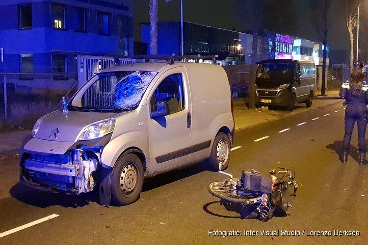 Fietsster zwaargewond na aanrijding, bestuurder onder invloed