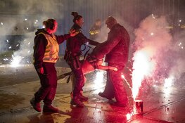 Politiehonden oefenen met vuurwerk