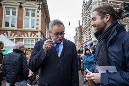 Burgemeester Jos Wienen ruikt aan de geur van XTC