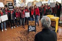"""Etos-stakers gooien kliko's leeg bij hoofdkantoor Ahold: """"Hou die kruimels maar"""""""