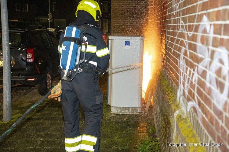 Brand achter glasvezelkast in Haarlem-Noord