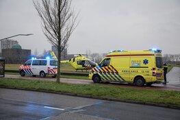 Traumahelikopter langs de Prins Bernhardlaan in Haarlem