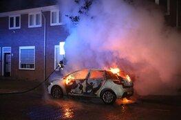 Auto in de brand gestoken in Haarlem