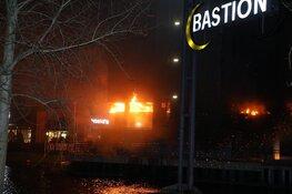 Grote brand in Bastion hotel in Santpoort-Noord, politie doet onderzoek (foto-update)