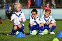 Lekker weer sporten na versoepeling coronamaatregelen bij voetbalvereniging DEM