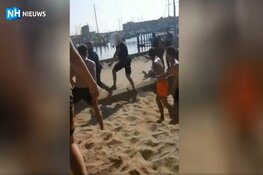Verdachte (17) van mishandelen boa op strand IJmuiden voorlopig op vrije voeten