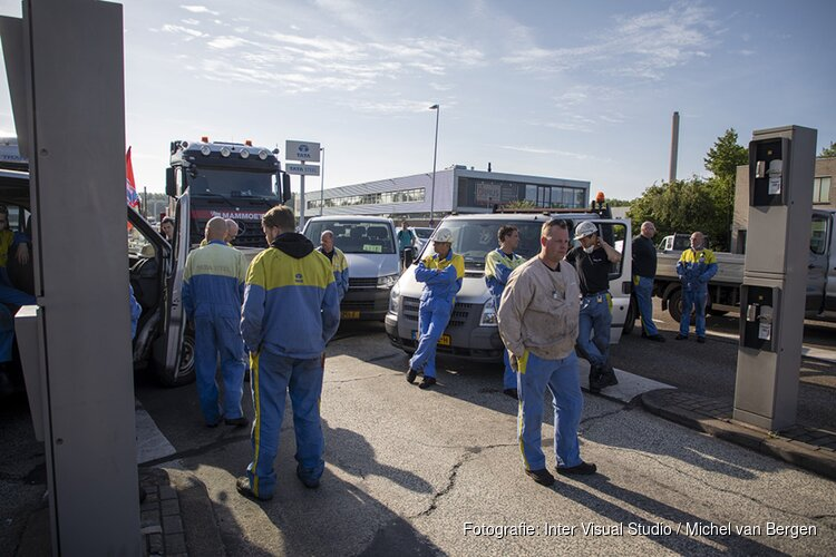 Opnieuw actie bij Tata Steel: boos personeel blokkeert toegangspoort