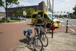 Fietsster gewond na botsing op de Zijlweg in Haarlem