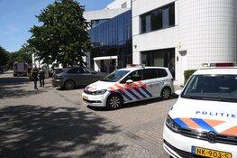 Brand in trappenhuis Haarlem, drie personen in ambulance nagekeken