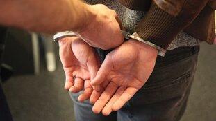 Verdachte aangehouden na beroving