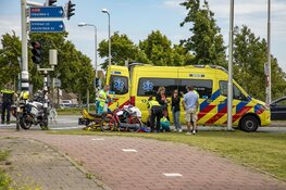 Bromfietser geschept in Velserbroek, veroorzaker rijdt door