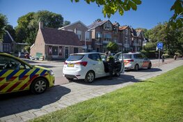 Fietser gewond na aanrijding met auto bij rotonde Overveen