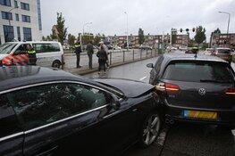 Blikschade door nat wegdek bij aanrijding op de Europaweg