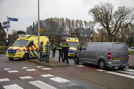 Fietser gewond na botsing met busje in Overveen