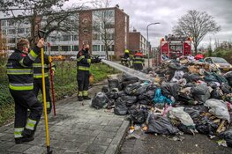 Brand in vuilniswagen in Haarlem