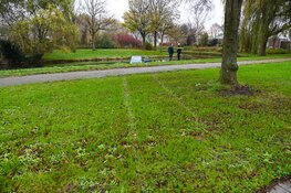 Brommobiel te water in Heemskerk, bestuurder ongedeerd