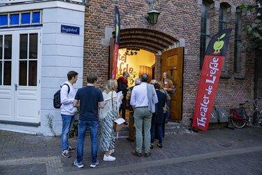 Opnieuw volle theaterzaal Theo Maassen in Haarlem